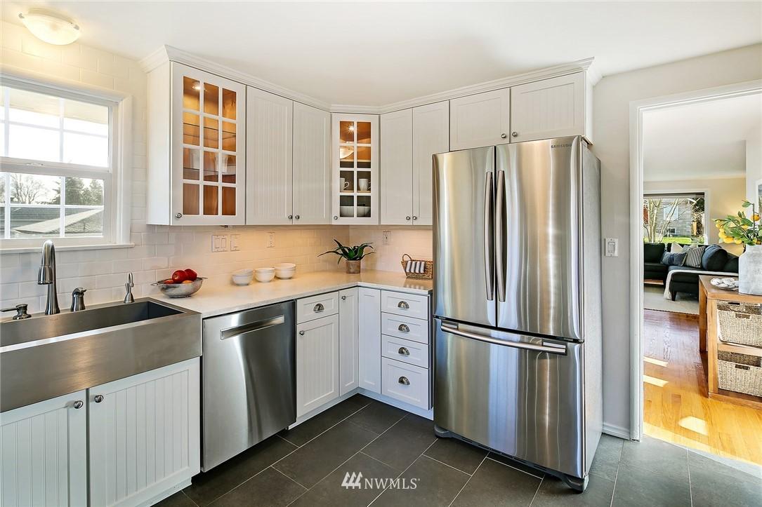 Sold Property | 8012 Corliss Avenue N Seattle, WA 98103 7