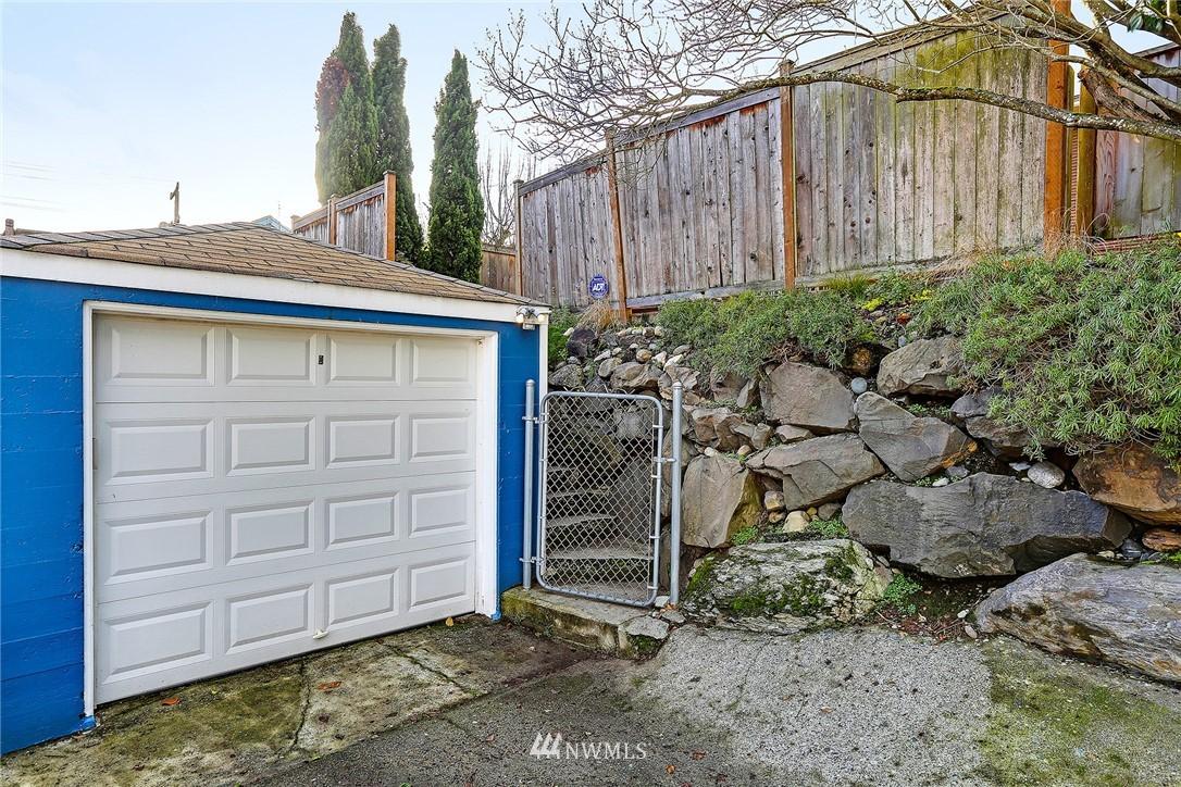 Sold Property | 8012 Corliss Avenue N Seattle, WA 98103 20