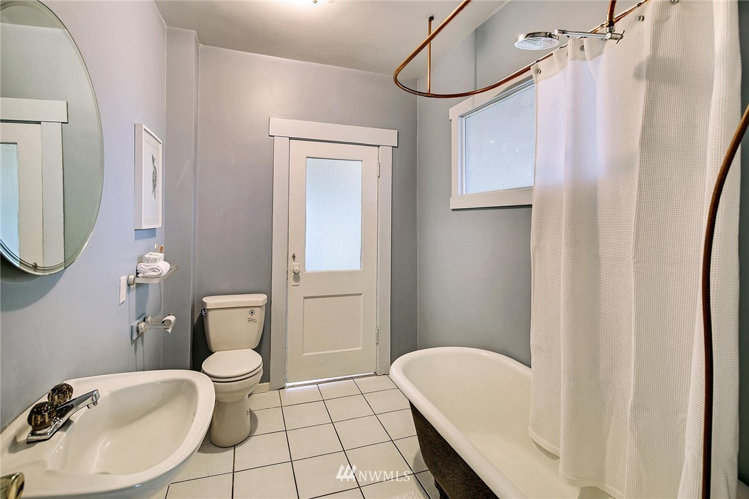 Sold Property   116 N 54th Street Seattle, WA 98103 12