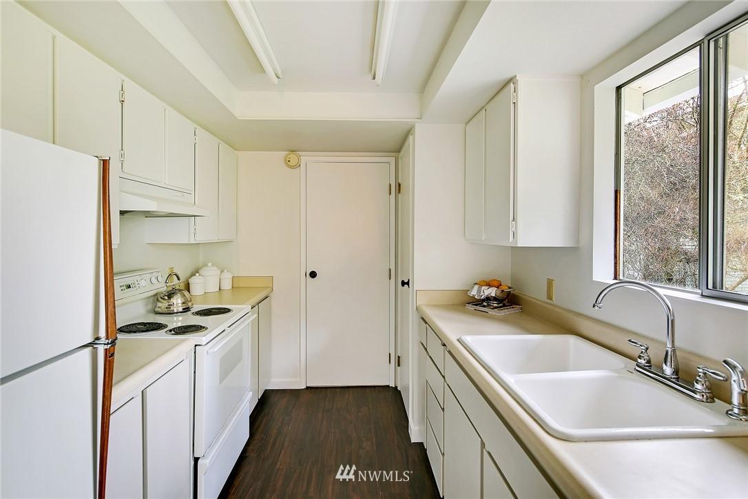 Sold Property   8012 NE 128 Street Kirkland, WA 98034 7