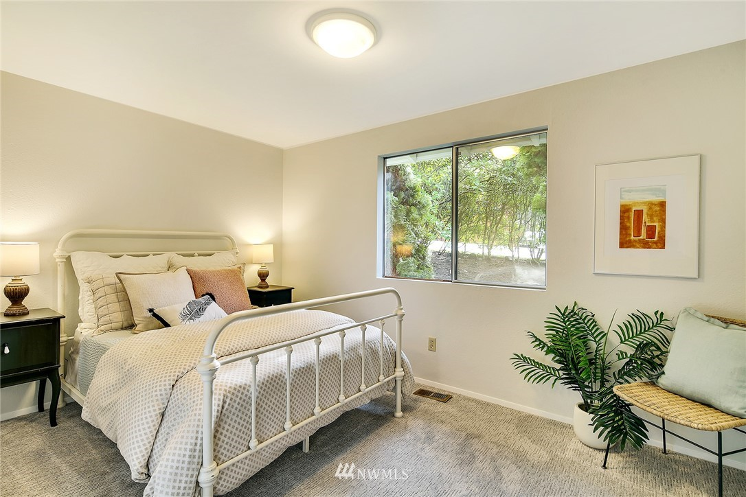 Sold Property   8012 NE 128 Street Kirkland, WA 98034 10