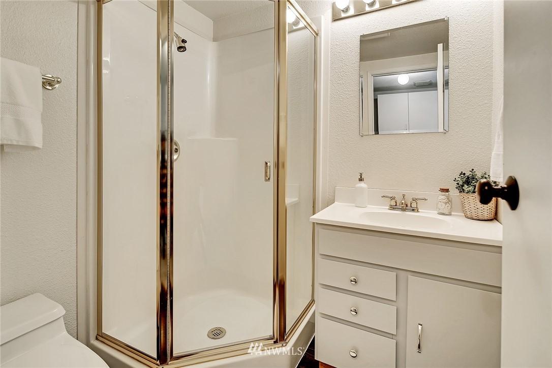 Sold Property   8012 NE 128 Street Kirkland, WA 98034 11
