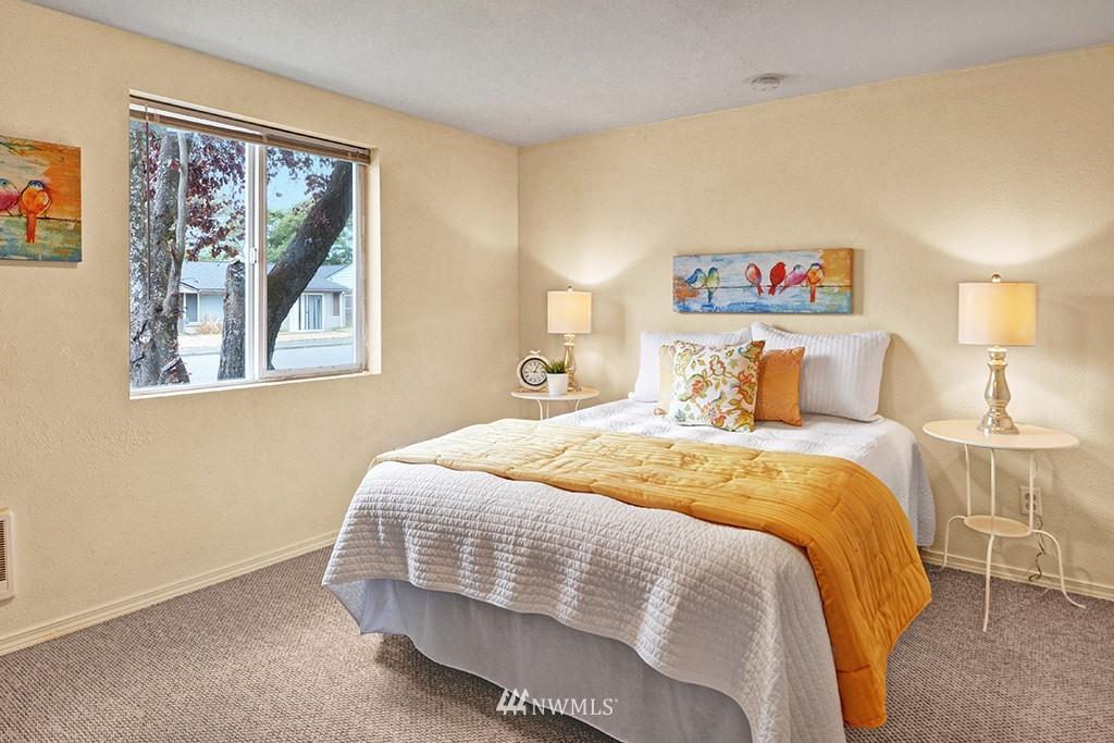 Sold Property | 24109 57th Place W Mountlake Terrace, WA 98043 11