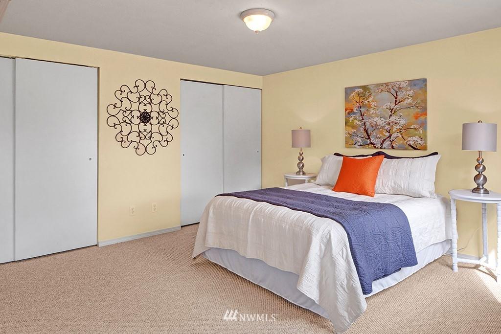 Sold Property | 24109 57th Place W Mountlake Terrace, WA 98043 15