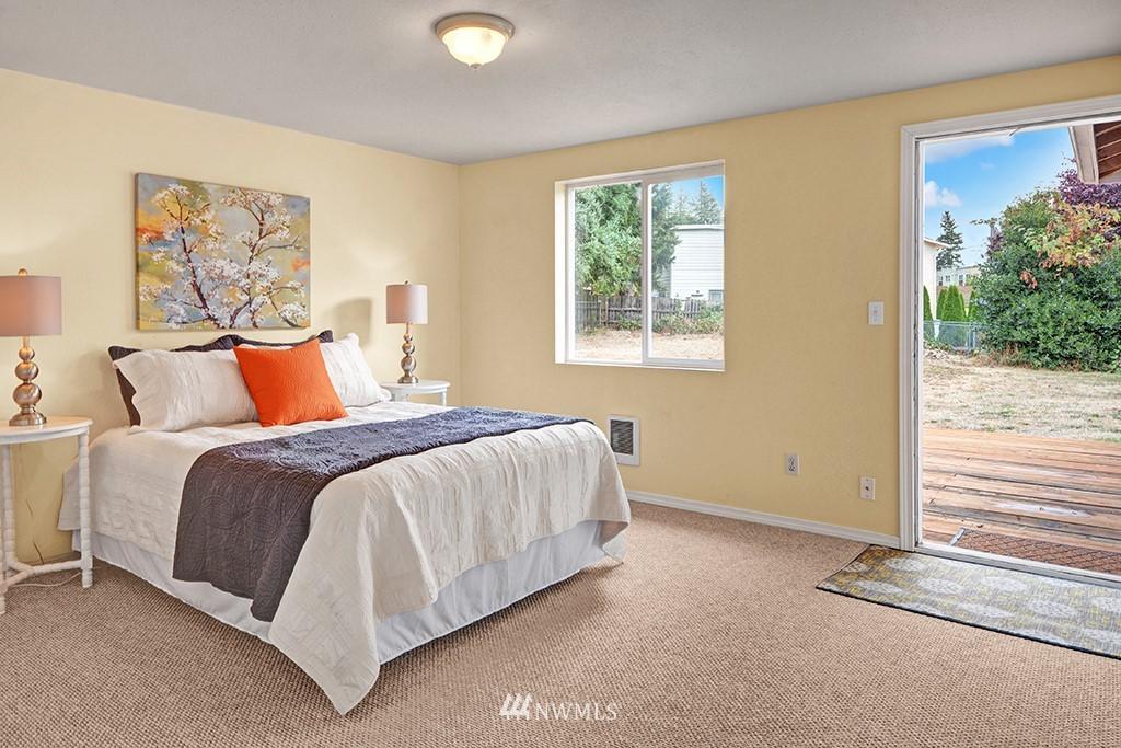 Sold Property | 24109 57th Place W Mountlake Terrace, WA 98043 16