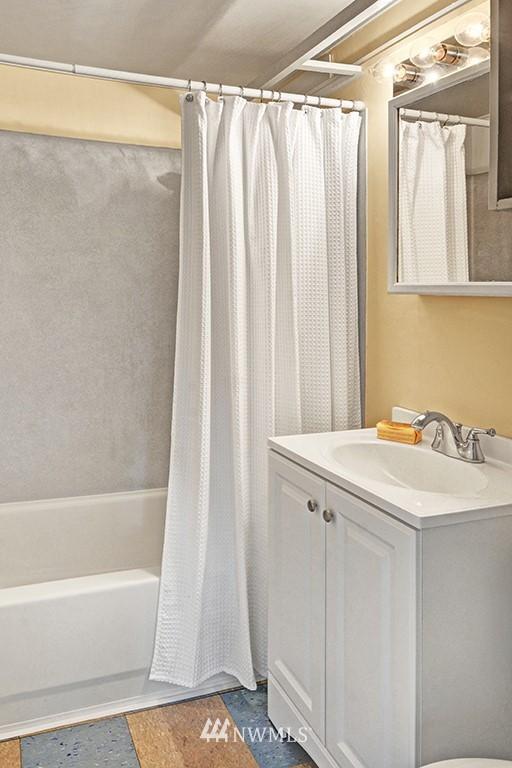 Sold Property | 24109 57th Place W Mountlake Terrace, WA 98043 17