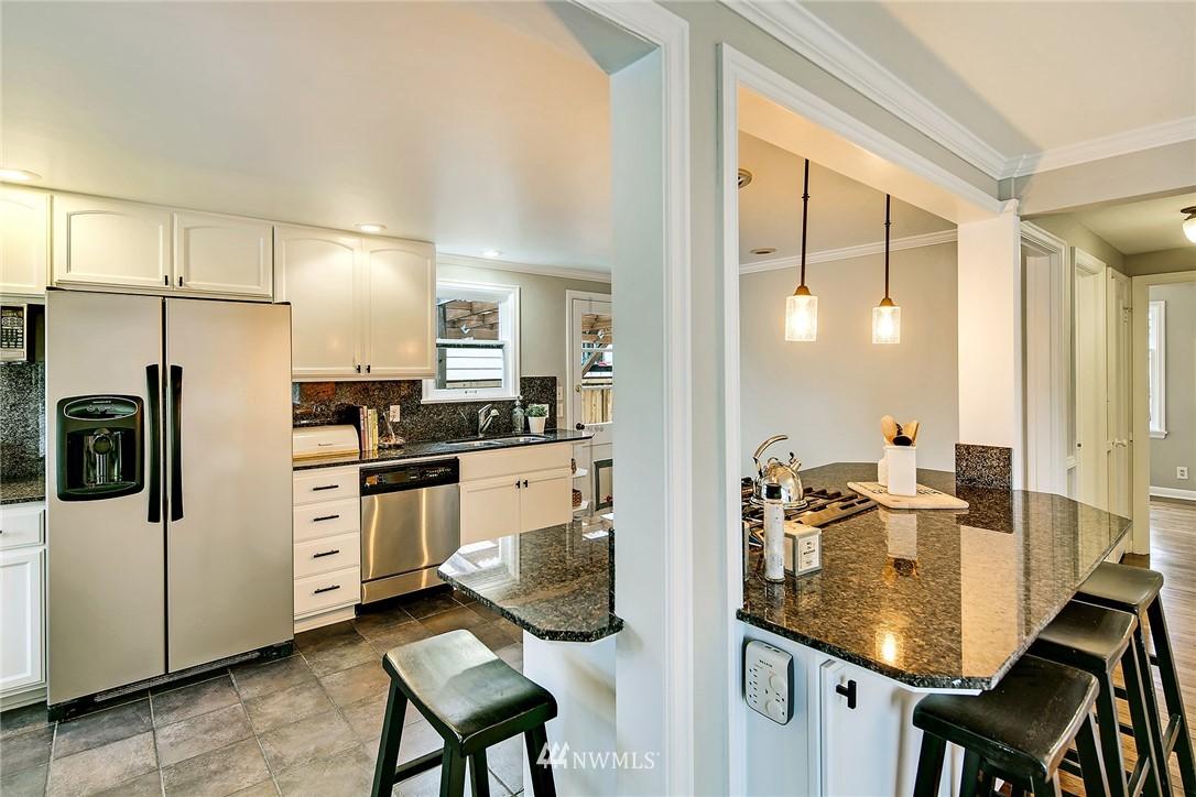 Sold Property   4754 35th Avenue NE Seattle, WA 98105 8