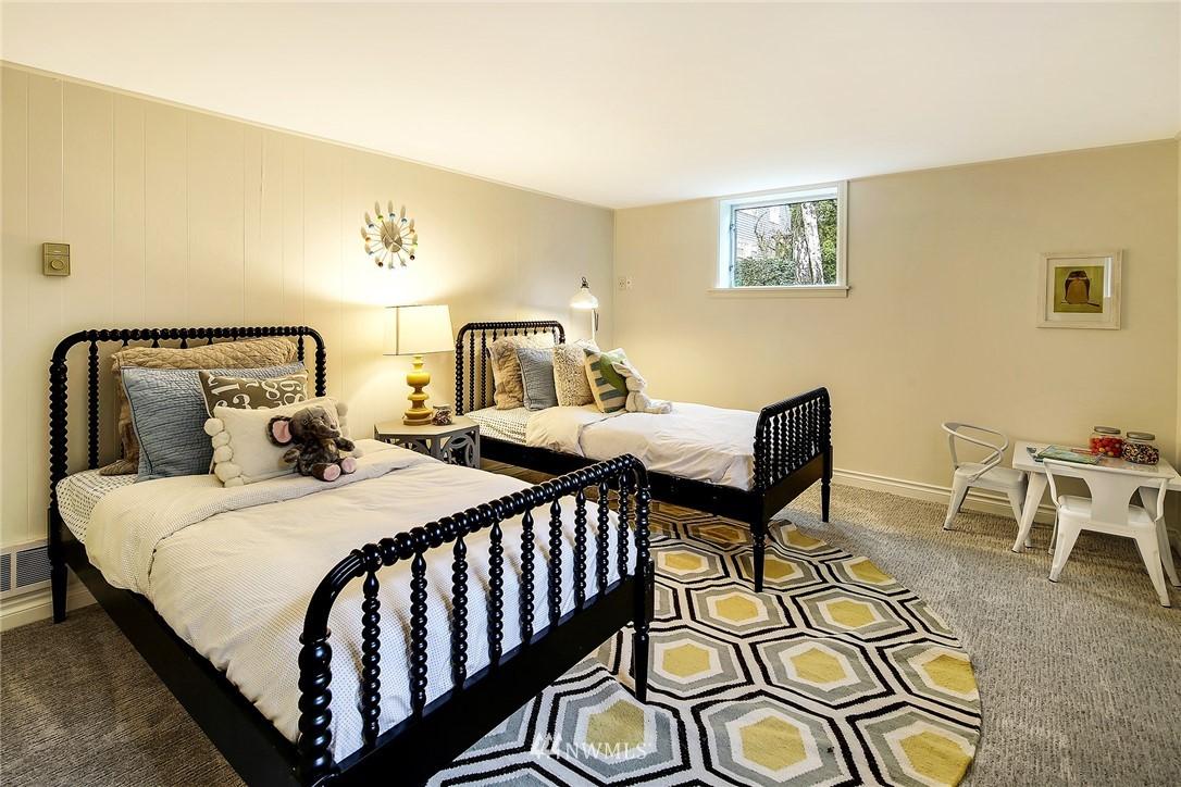 Sold Property   4754 35th Avenue NE Seattle, WA 98105 14