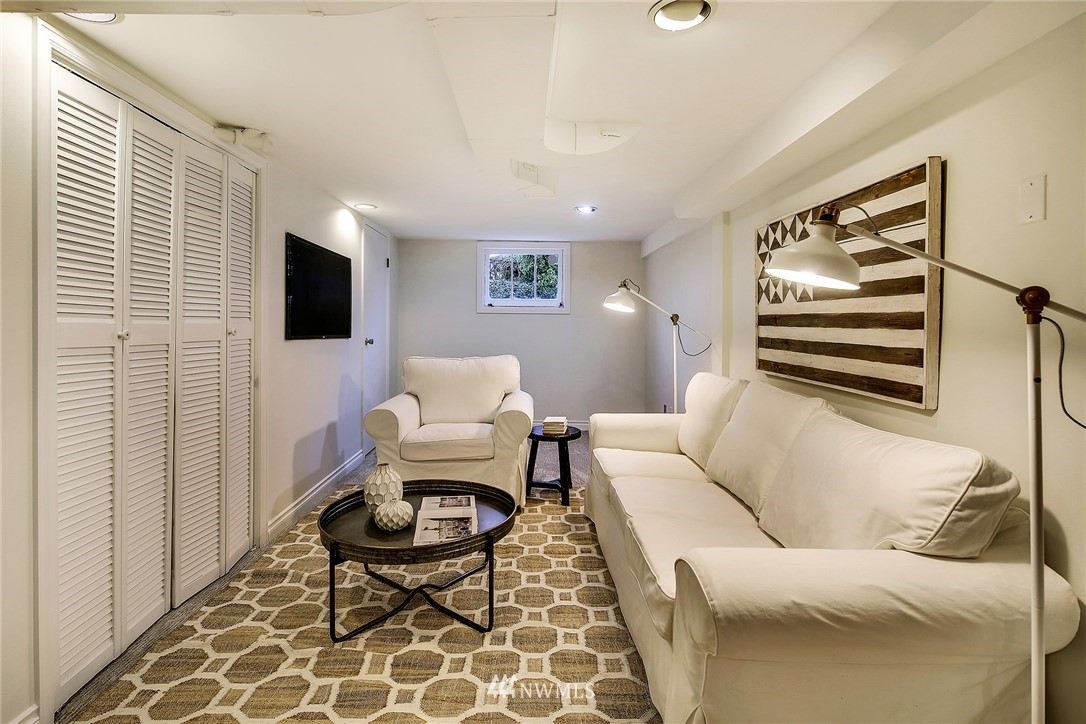 Sold Property   4754 35th Avenue NE Seattle, WA 98105 20