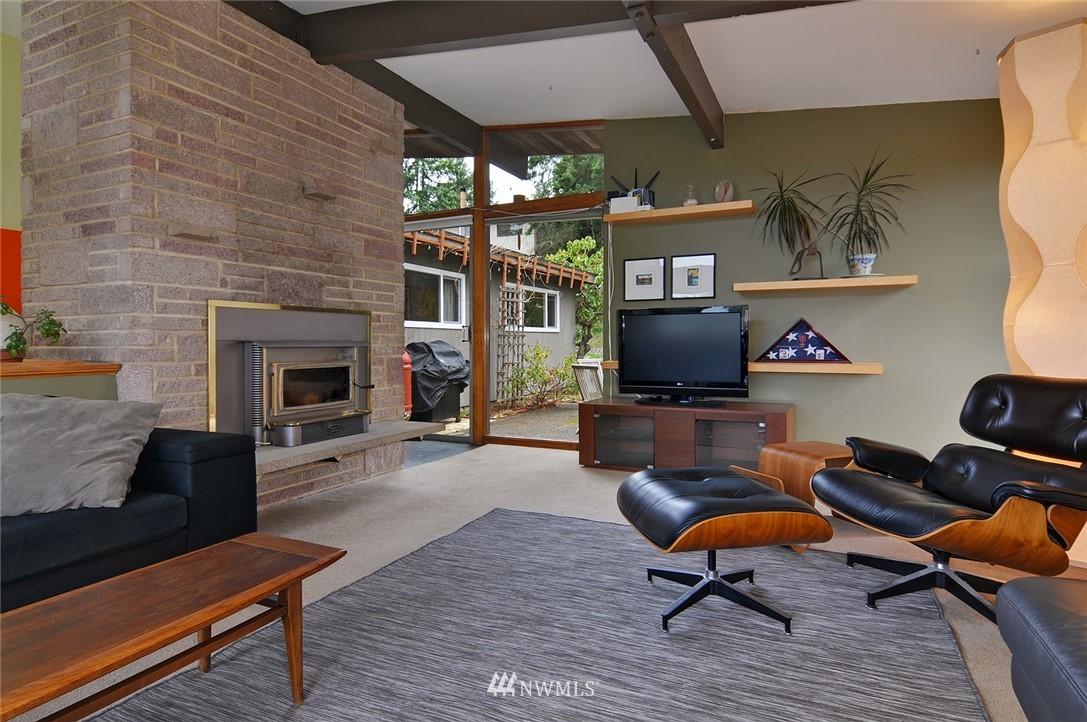 Sold Property | 13314 23rd Avenue NE Seattle, WA 98125 7