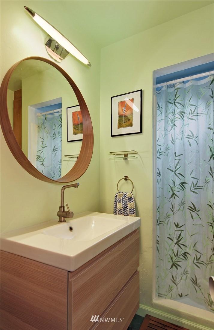 Sold Property | 13314 23rd Avenue NE Seattle, WA 98125 11