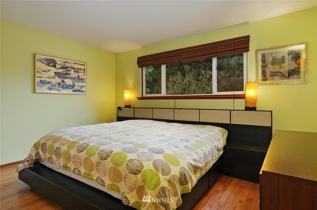 Sold Property | 13314 23rd Avenue NE Seattle, WA 98125 8