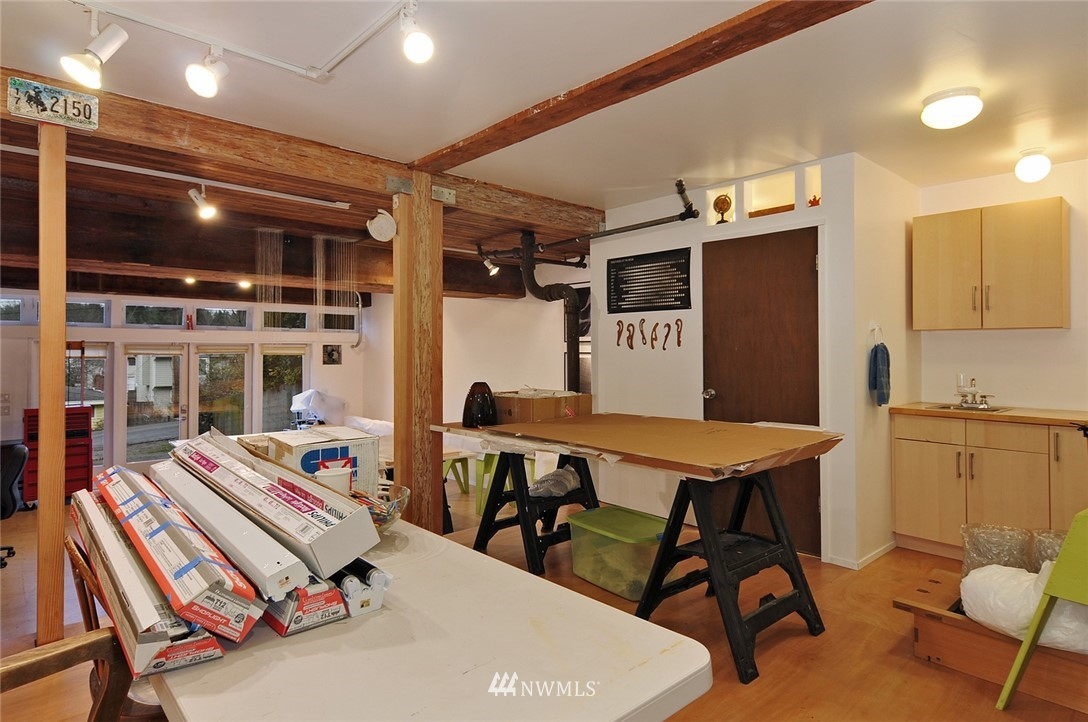 Sold Property | 13314 23rd Avenue NE Seattle, WA 98125 16