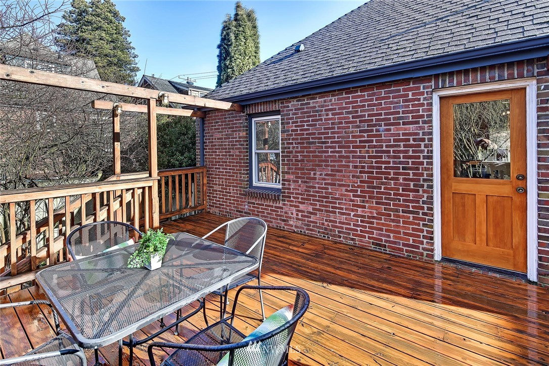 Sold Property   7749 Mary Avenue NW Seattle, WA 98117 18
