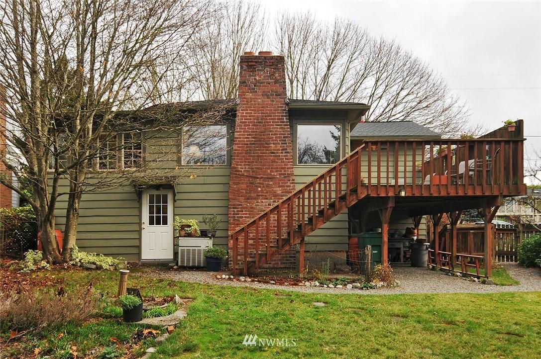 Sold Property | 10527 Palatine Avenue N Seattle, WA 98133 16