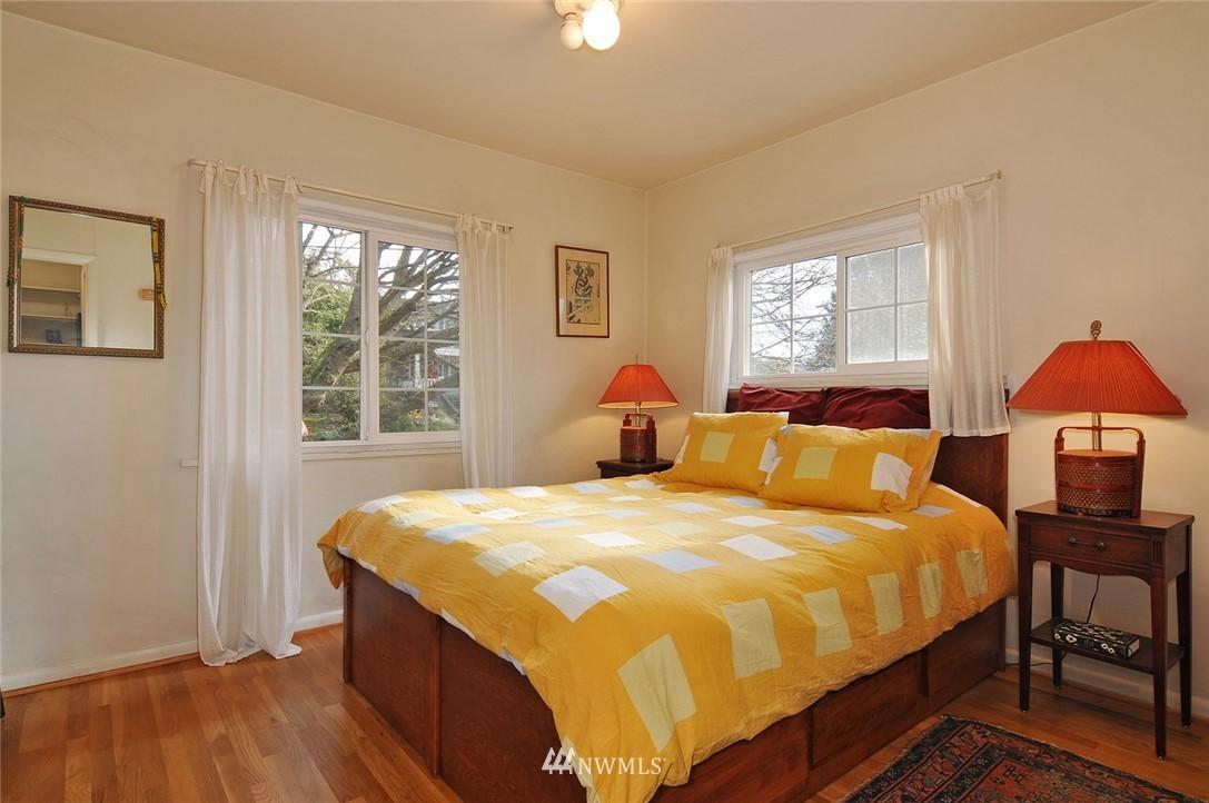 Sold Property | 10527 Palatine Avenue N Seattle, WA 98133 6