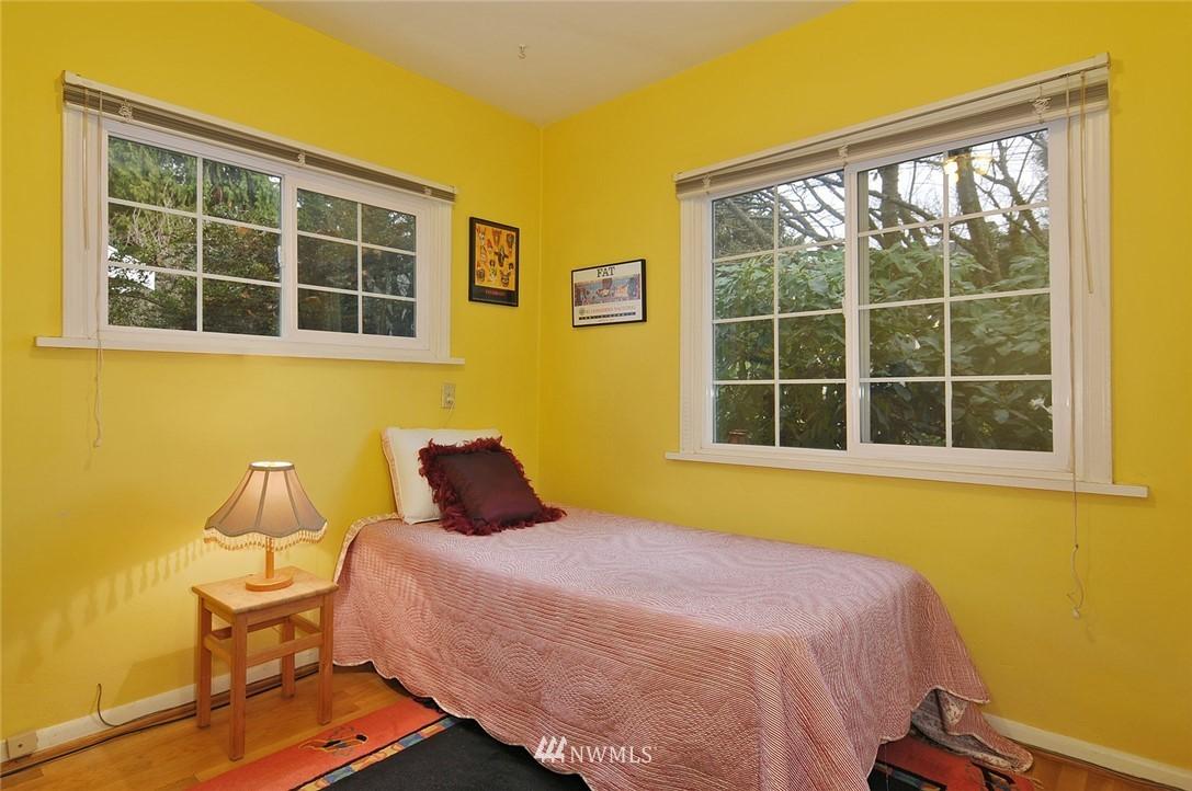 Sold Property | 10527 Palatine Avenue N Seattle, WA 98133 7