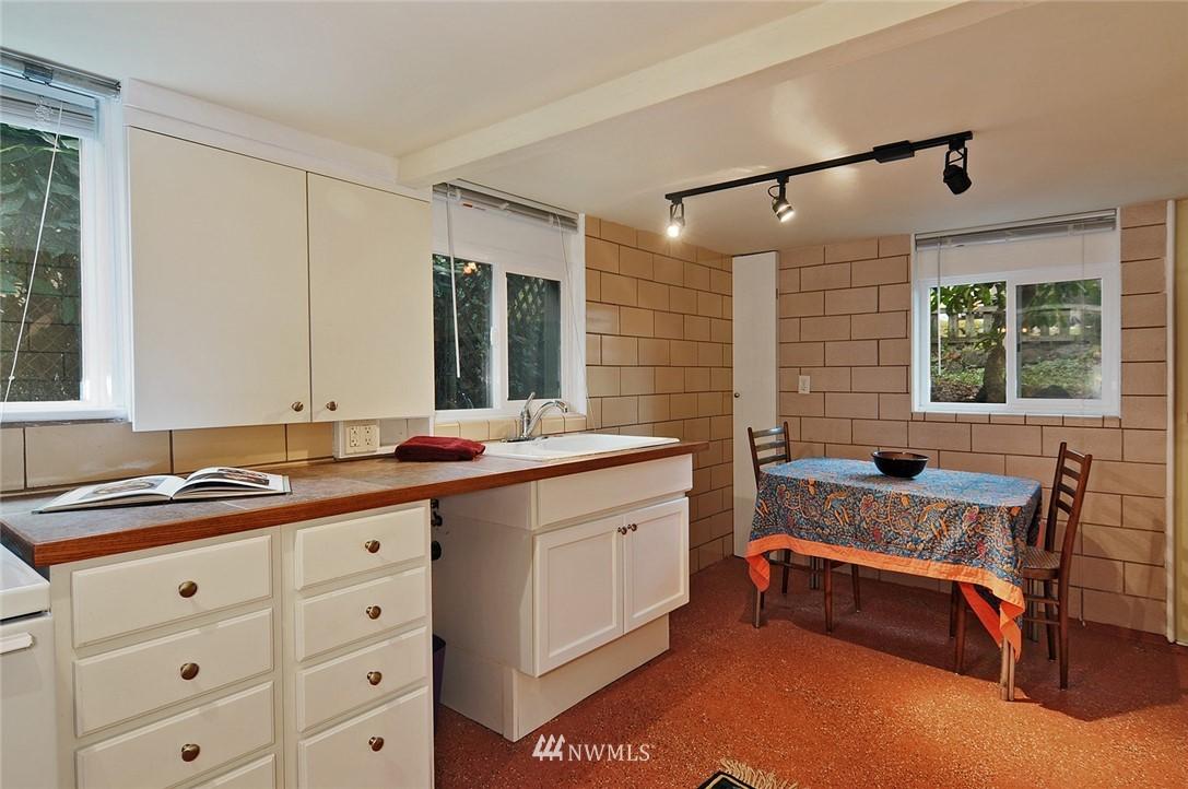 Sold Property | 10527 Palatine Avenue N Seattle, WA 98133 10