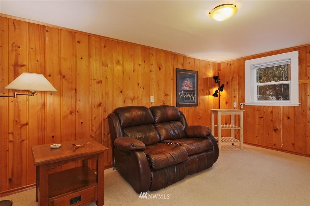 Sold Property | 10527 Palatine Avenue N Seattle, WA 98133 12