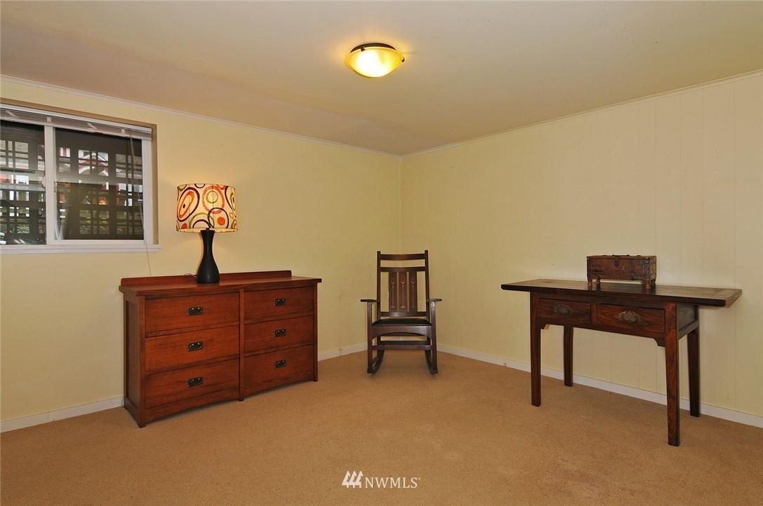 Sold Property | 10527 Palatine Avenue N Seattle, WA 98133 13