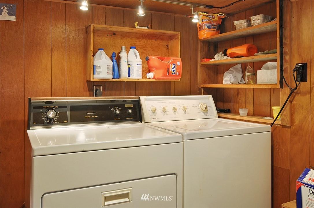 Sold Property | 10527 Palatine Avenue N Seattle, WA 98133 15
