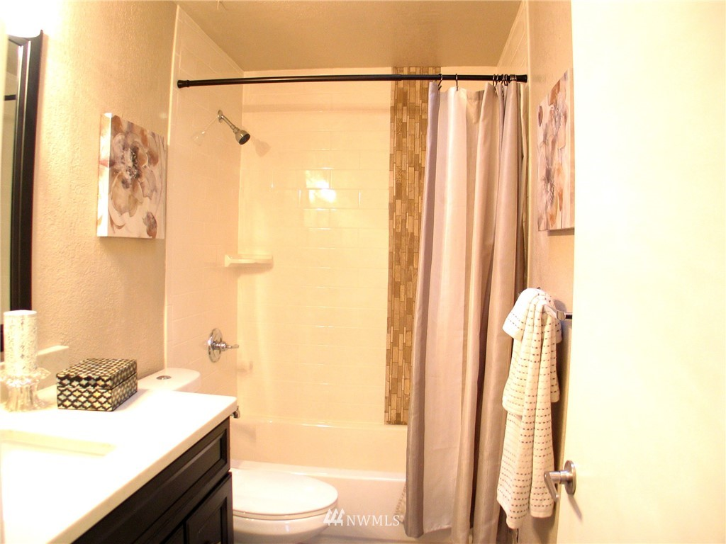 Sold Property | 6204 225th Place SW Mountlake Terrace, WA 98043 14