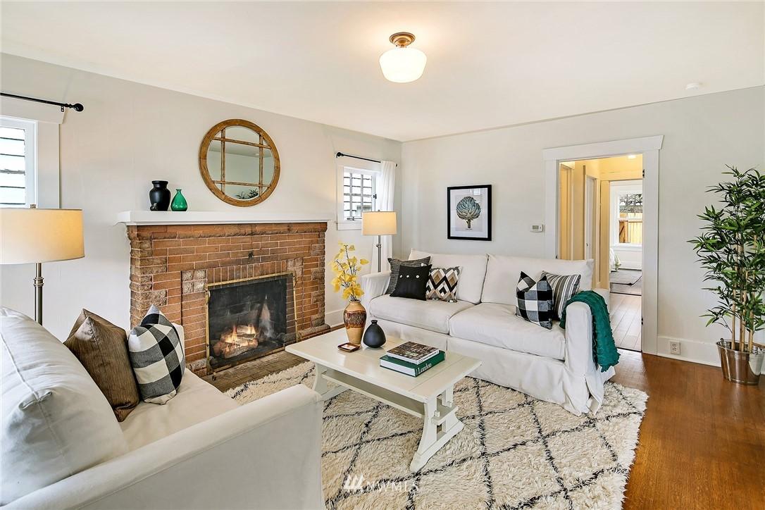 Sold Property   3926 Wallingford Avenue N Seattle, WA 98103 5