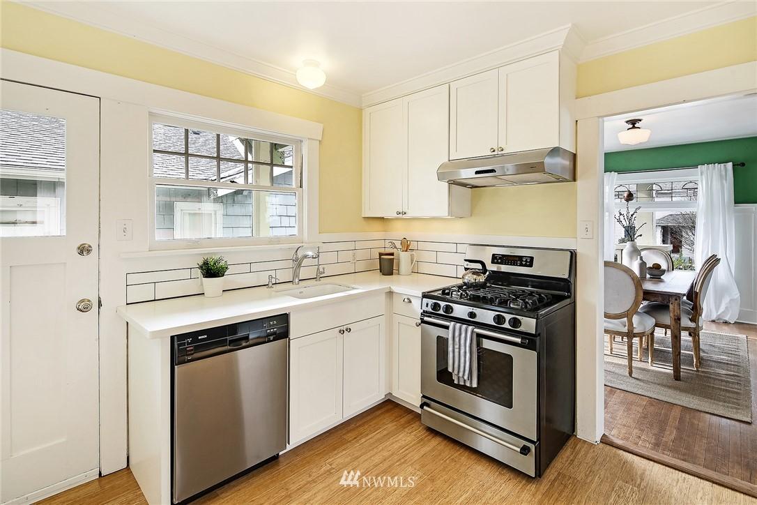 Sold Property   3926 Wallingford Avenue N Seattle, WA 98103 8