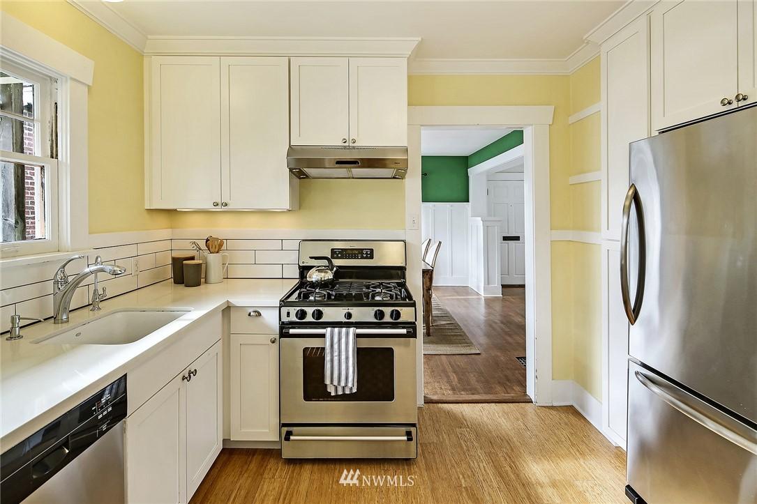 Sold Property   3926 Wallingford Avenue N Seattle, WA 98103 10