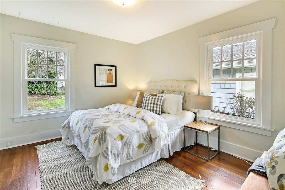 Sold Property   3926 Wallingford Avenue N Seattle, WA 98103 12