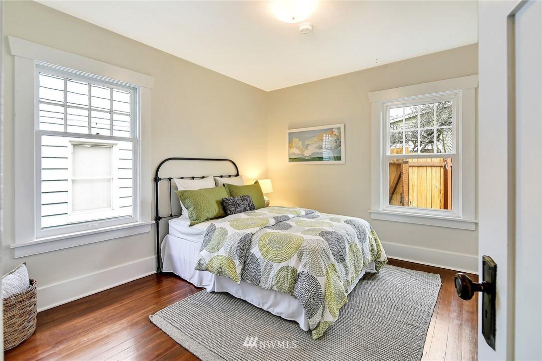 Sold Property   3926 Wallingford Avenue N Seattle, WA 98103 14