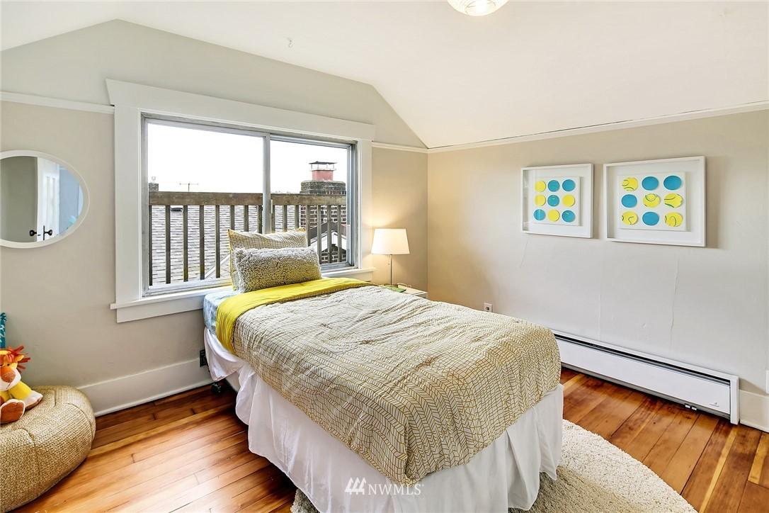 Sold Property   3926 Wallingford Avenue N Seattle, WA 98103 16