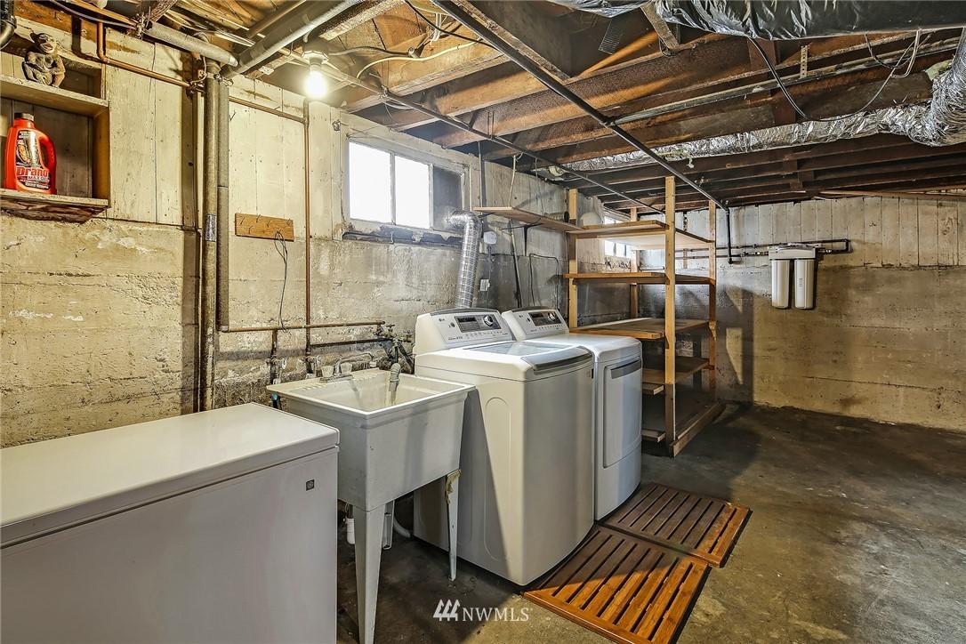Sold Property   3926 Wallingford Avenue N Seattle, WA 98103 18