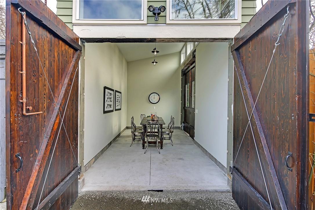 Sold Property   3926 Wallingford Avenue N Seattle, WA 98103 20