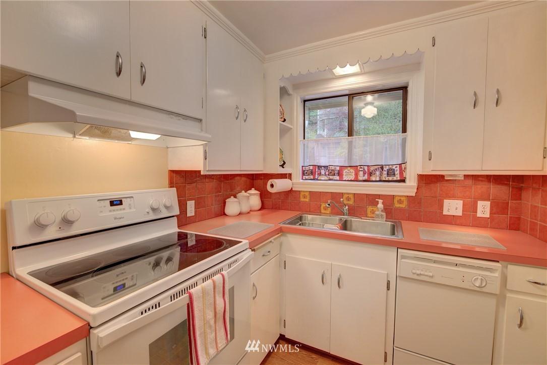 Sold Property   9726 20th Avenue NE Seattle, WA 98115 5
