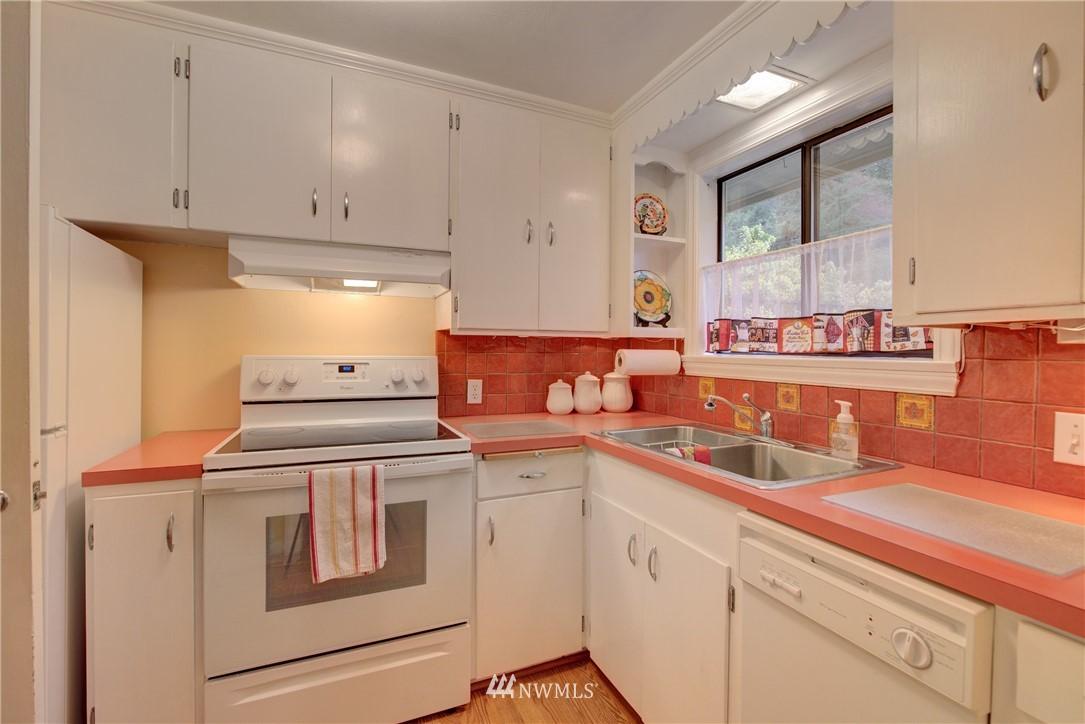 Sold Property   9726 20th Avenue NE Seattle, WA 98115 6