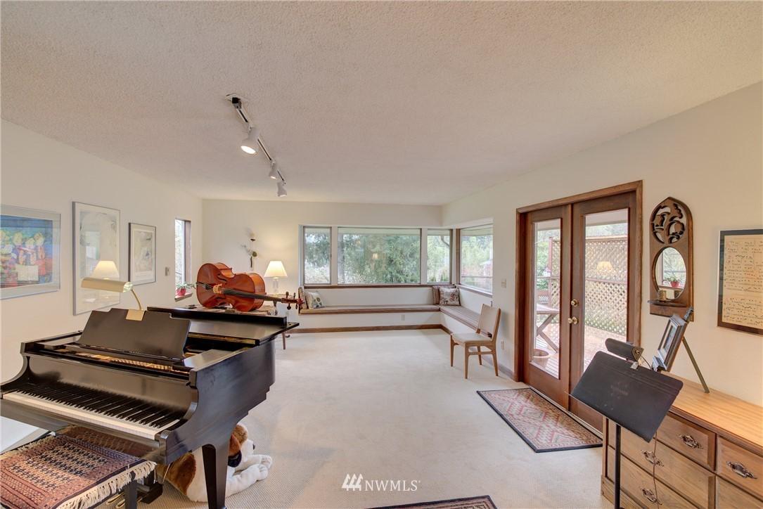 Sold Property   9726 20th Avenue NE Seattle, WA 98115 8