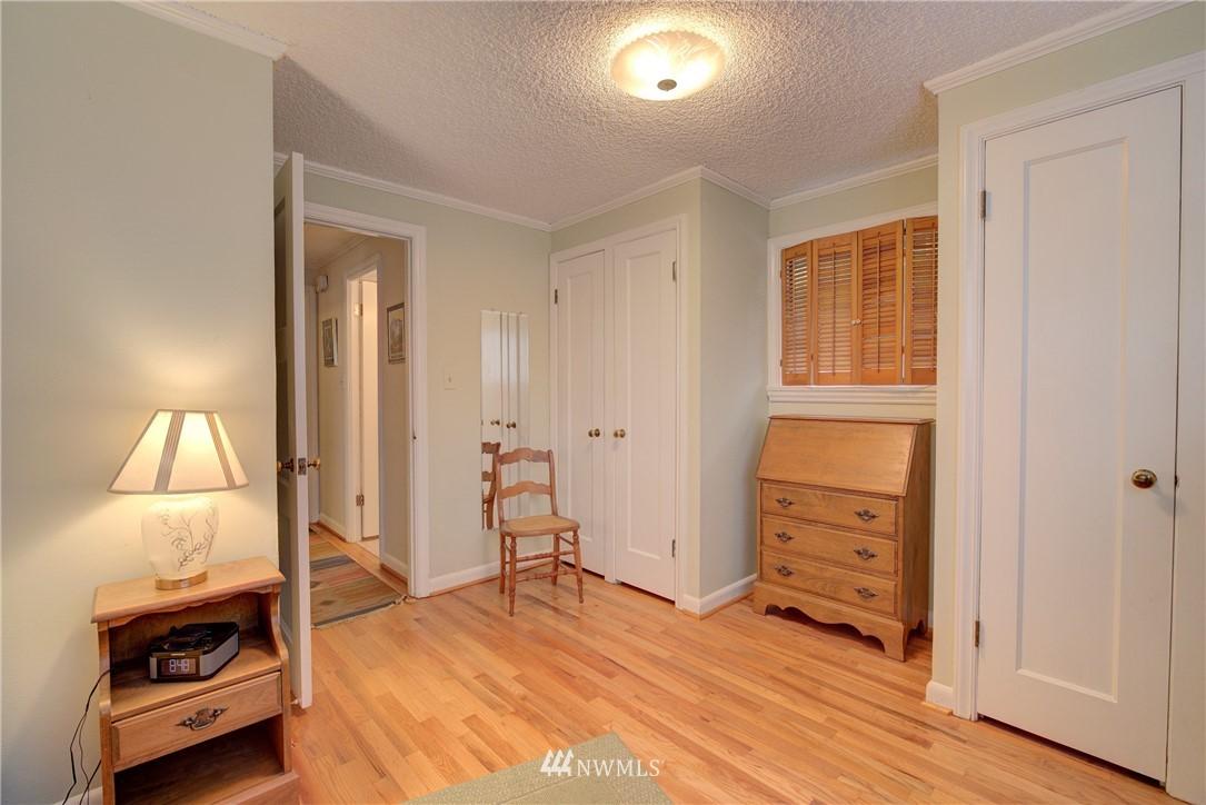 Sold Property   9726 20th Avenue NE Seattle, WA 98115 12