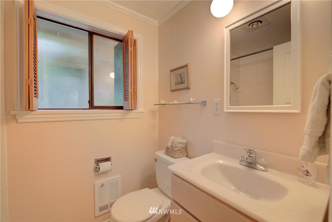 Sold Property   9726 20th Avenue NE Seattle, WA 98115 13