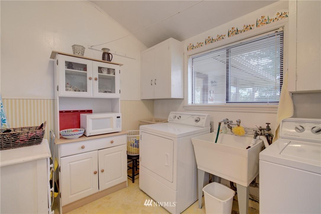 Sold Property   9726 20th Avenue NE Seattle, WA 98115 15