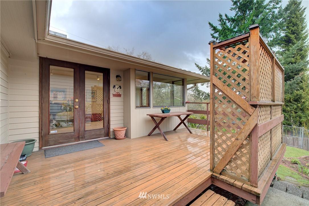 Sold Property   9726 20th Avenue NE Seattle, WA 98115 18