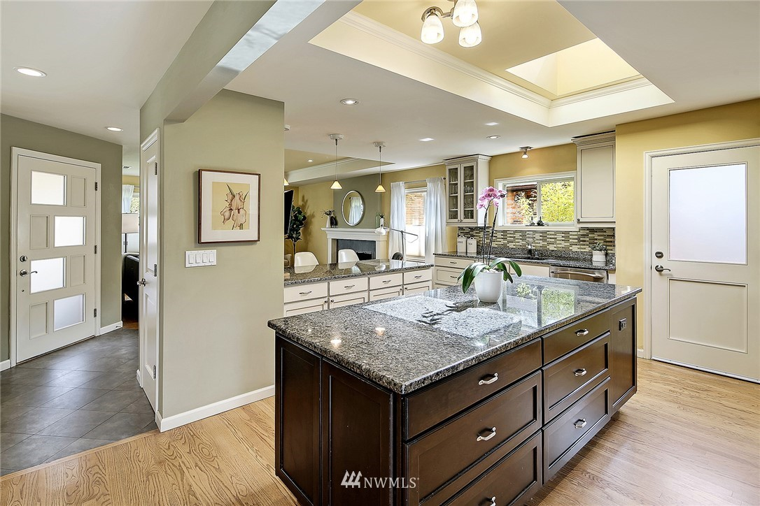 Sold Property   6509 Sunnyside Avenue N Seattle, WA 98103 7