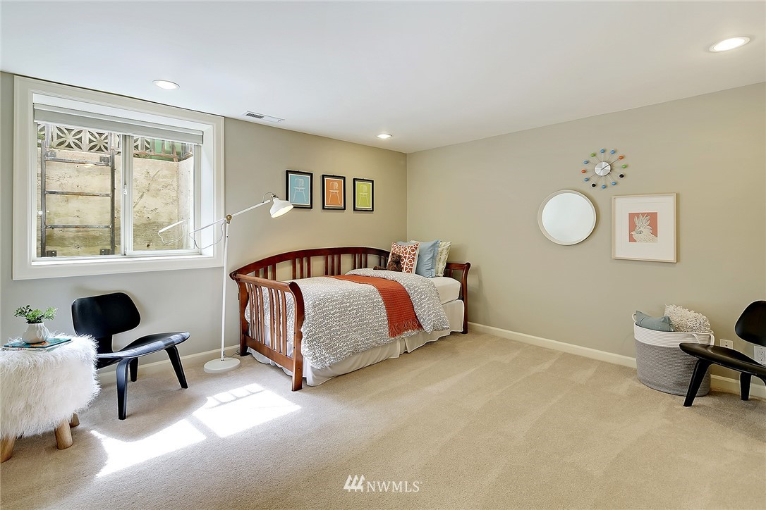 Sold Property   6509 Sunnyside Avenue N Seattle, WA 98103 13