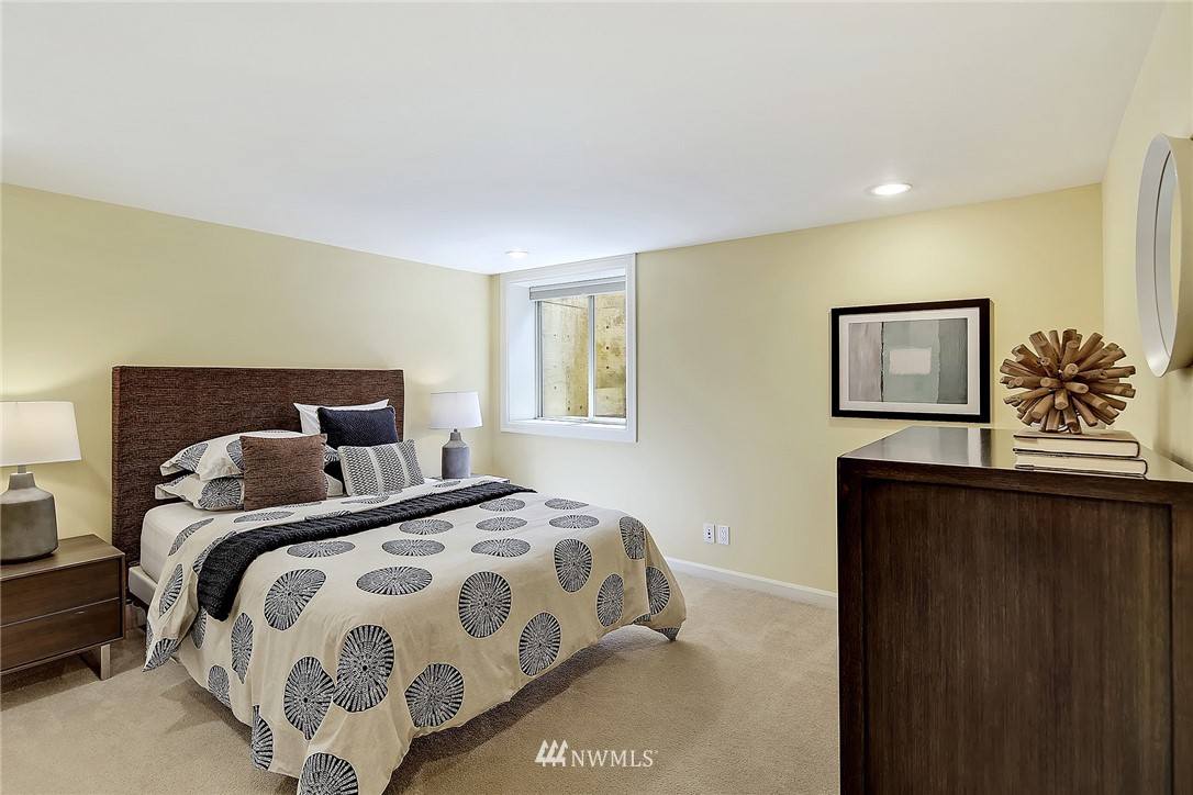 Sold Property   6509 Sunnyside Avenue N Seattle, WA 98103 15