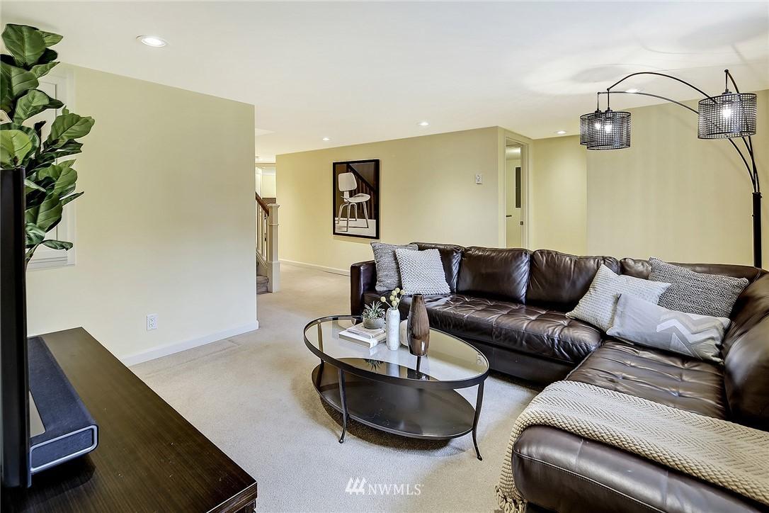 Sold Property   6509 Sunnyside Avenue N Seattle, WA 98103 18