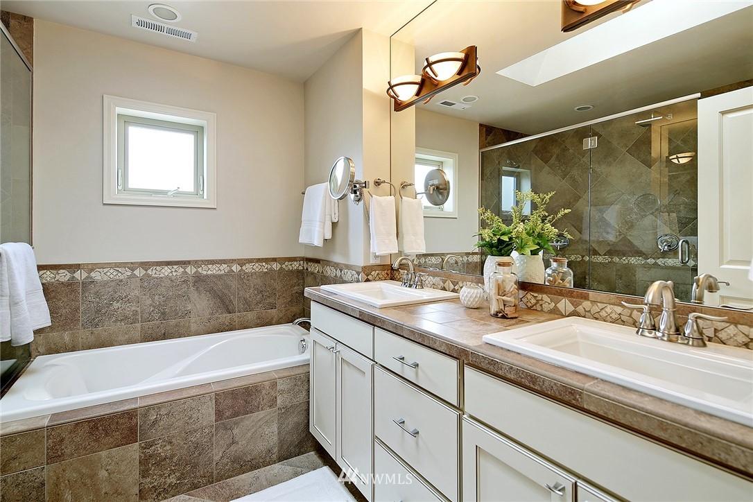 Sold Property   6509 Sunnyside Avenue N Seattle, WA 98103 12