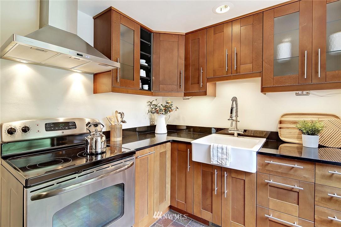 Sold Property   1743 NE 91st Street Seattle, WA 98115 5