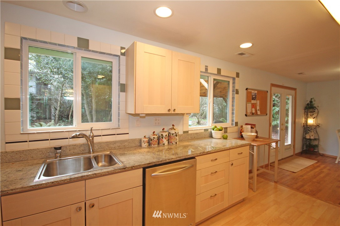 Sold Property | 1037 SW 132nd Street Burien, WA 98146 6