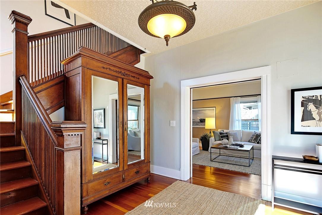Sold Property   4515 31st Avenue W Seattle, WA 98199 3