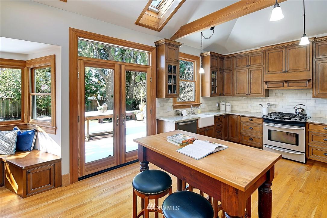 Sold Property   4515 31st Avenue W Seattle, WA 98199 9